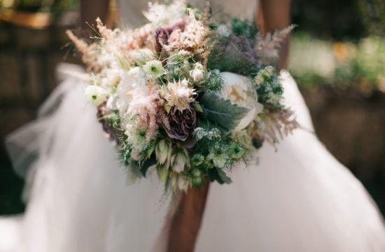 bridal wedding flowers bouquet